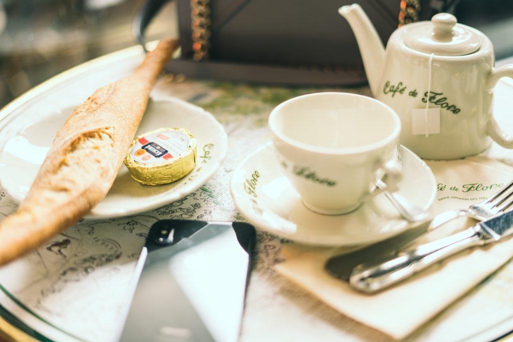 Hôtels, Cafés et Restaurants