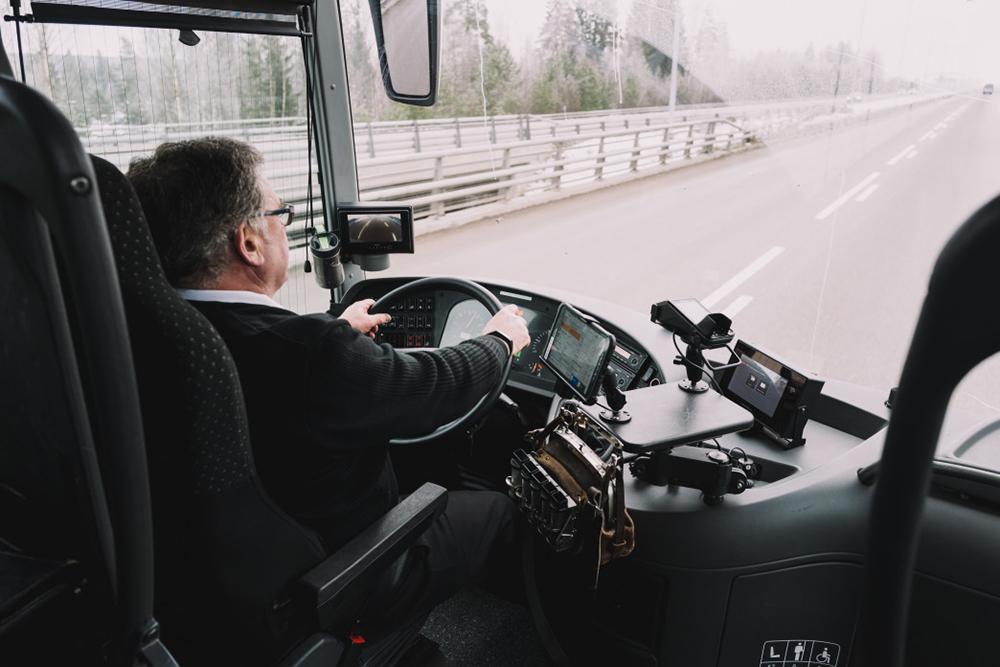 chauffeur autocar