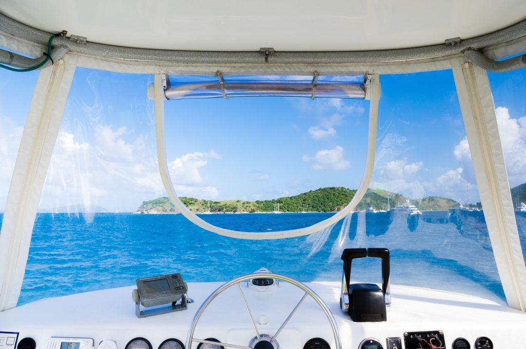 cockpit d'un bateau