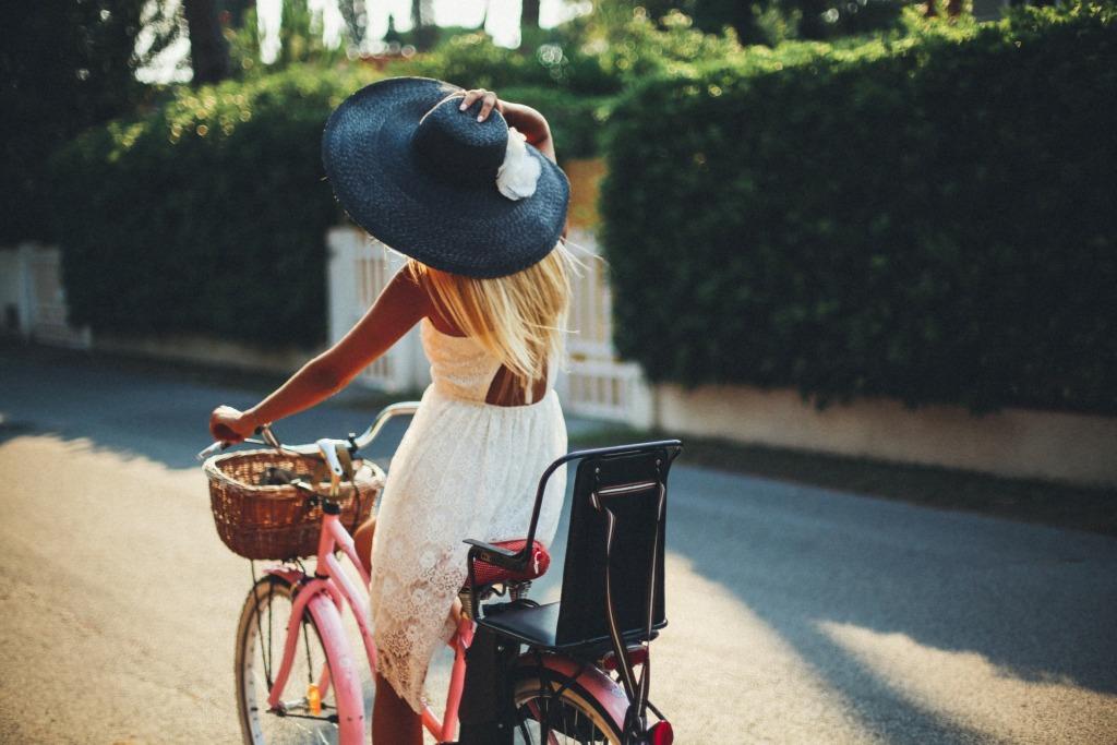femme vélo bretagne