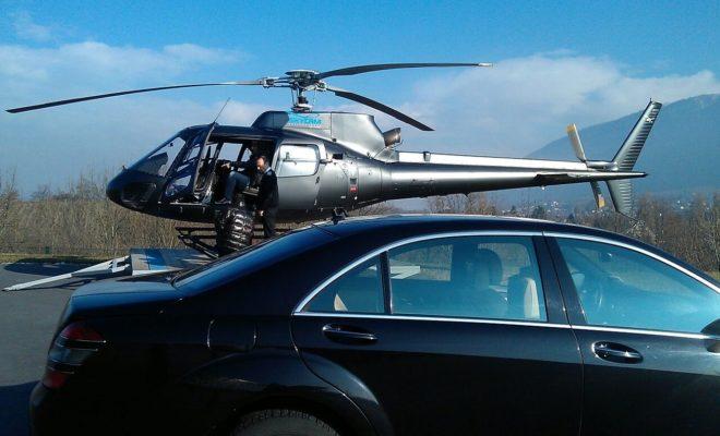 Limousine devant hélicoptère