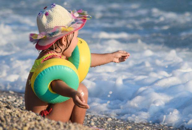protection enfant plage